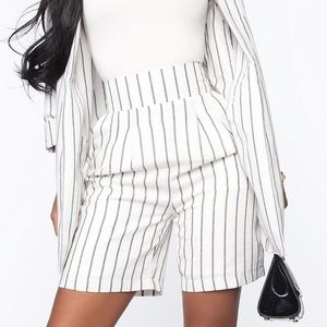 High waisted business shorts striped